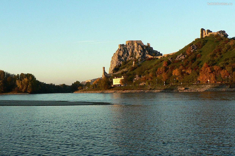 Замок Девин в Словакии около Братиславы
