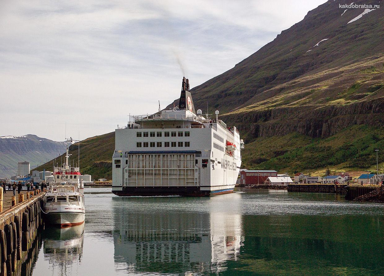 Паром в Рейкьявик Исландия
