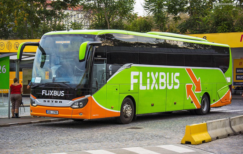 Автобус из Брюсселя в Париж