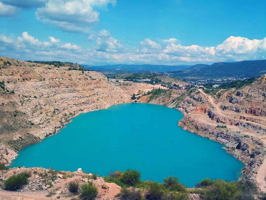 Кадыковский карьер озеро Сердце необычное место в Крыму