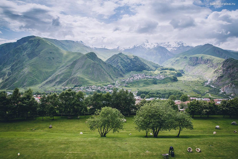 Казбек гора в Грузии
