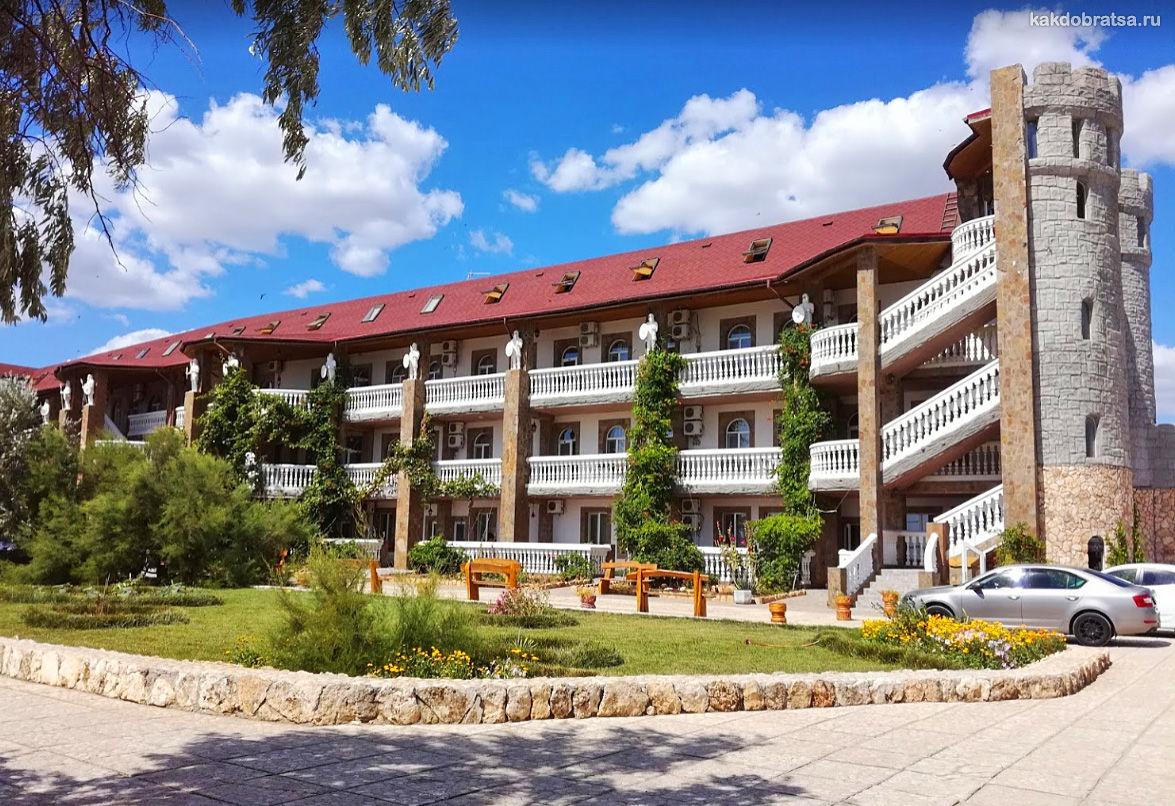 Отель-замок Викинг в Крыму