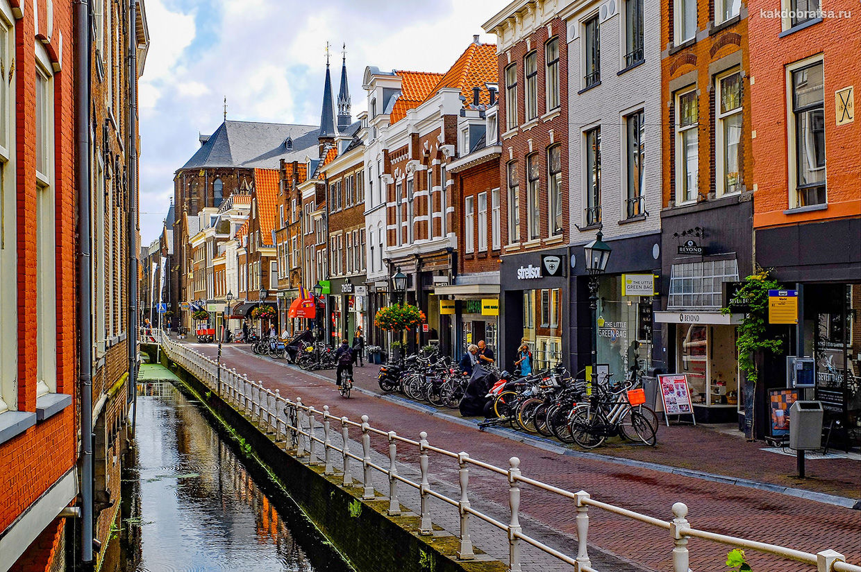 Делфт красивый город с каналами в Нидерландах