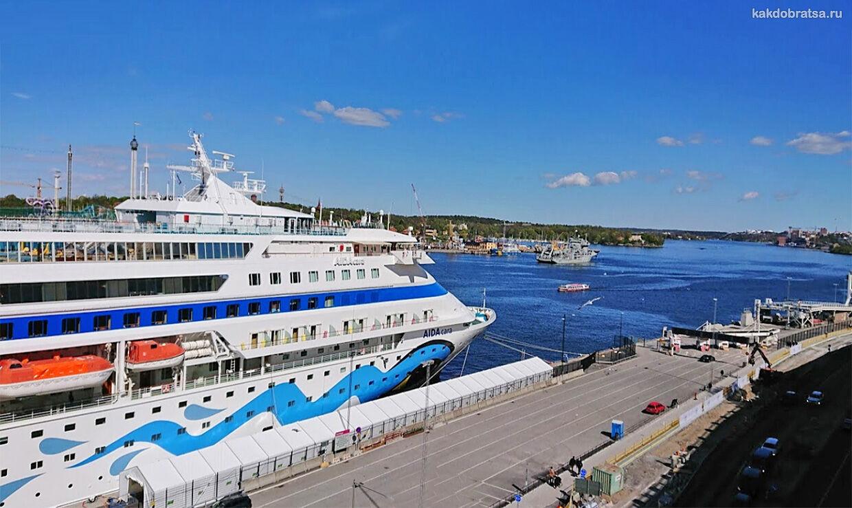 Викинглайн порт и паромный терминал в Стокгольм