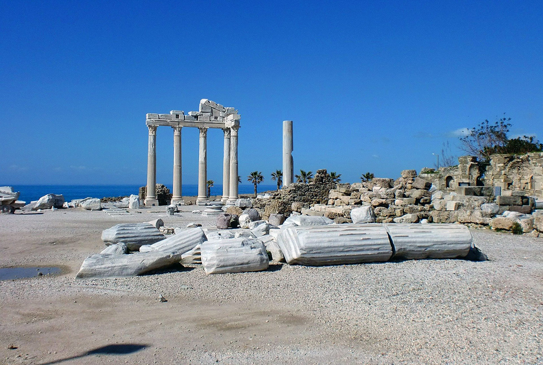 Сиде самый интересный старинный город около Анталии