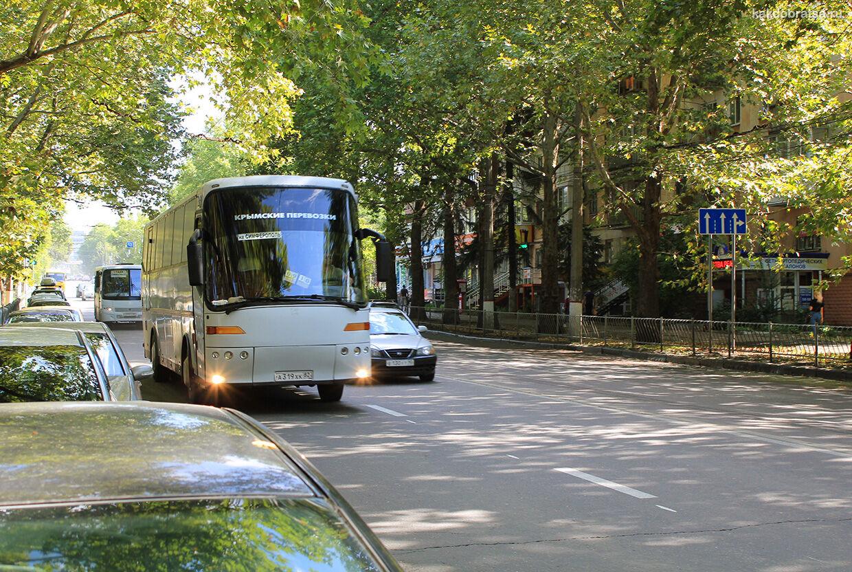 Автобус в Крыму