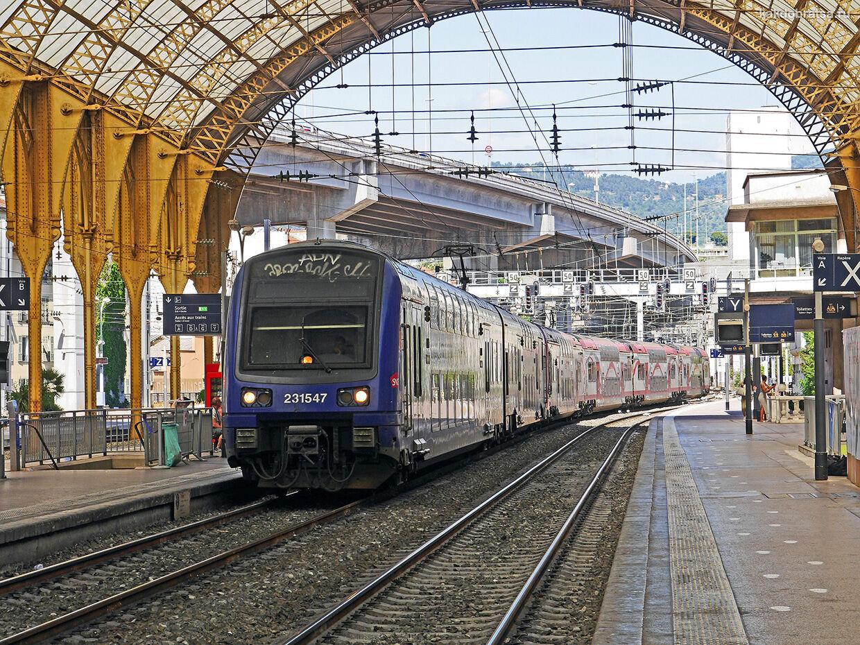 Из Парижа в Ниццу на поезде
