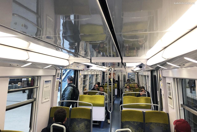 Электричка RER поезд из Парижа до Диснейленда