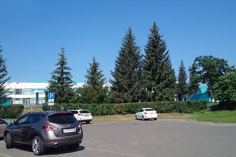 Парковка в аэропорту Горно-Алтайска