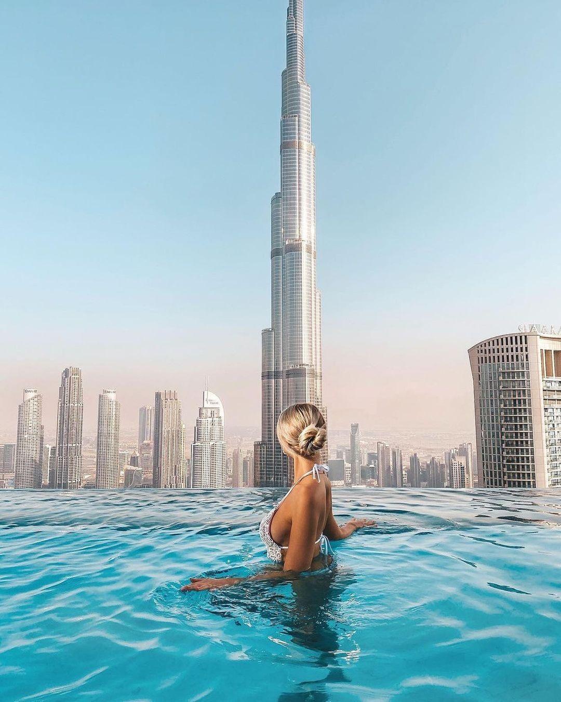 Отель в Дубае с панорамным бассейном на крыше