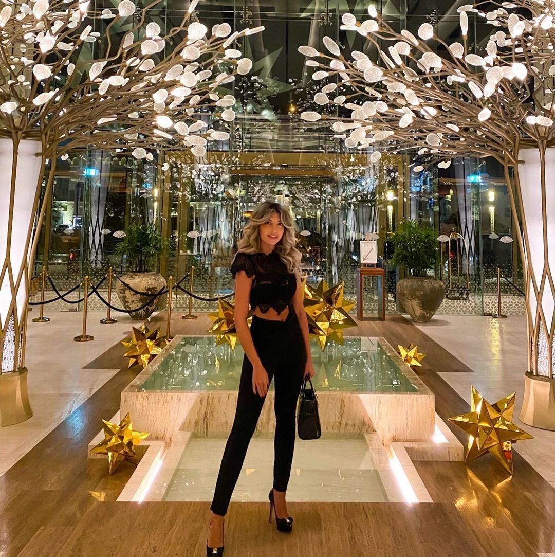 Mandarin Oriental Jumeira Dubai отель с моделями в Дубае