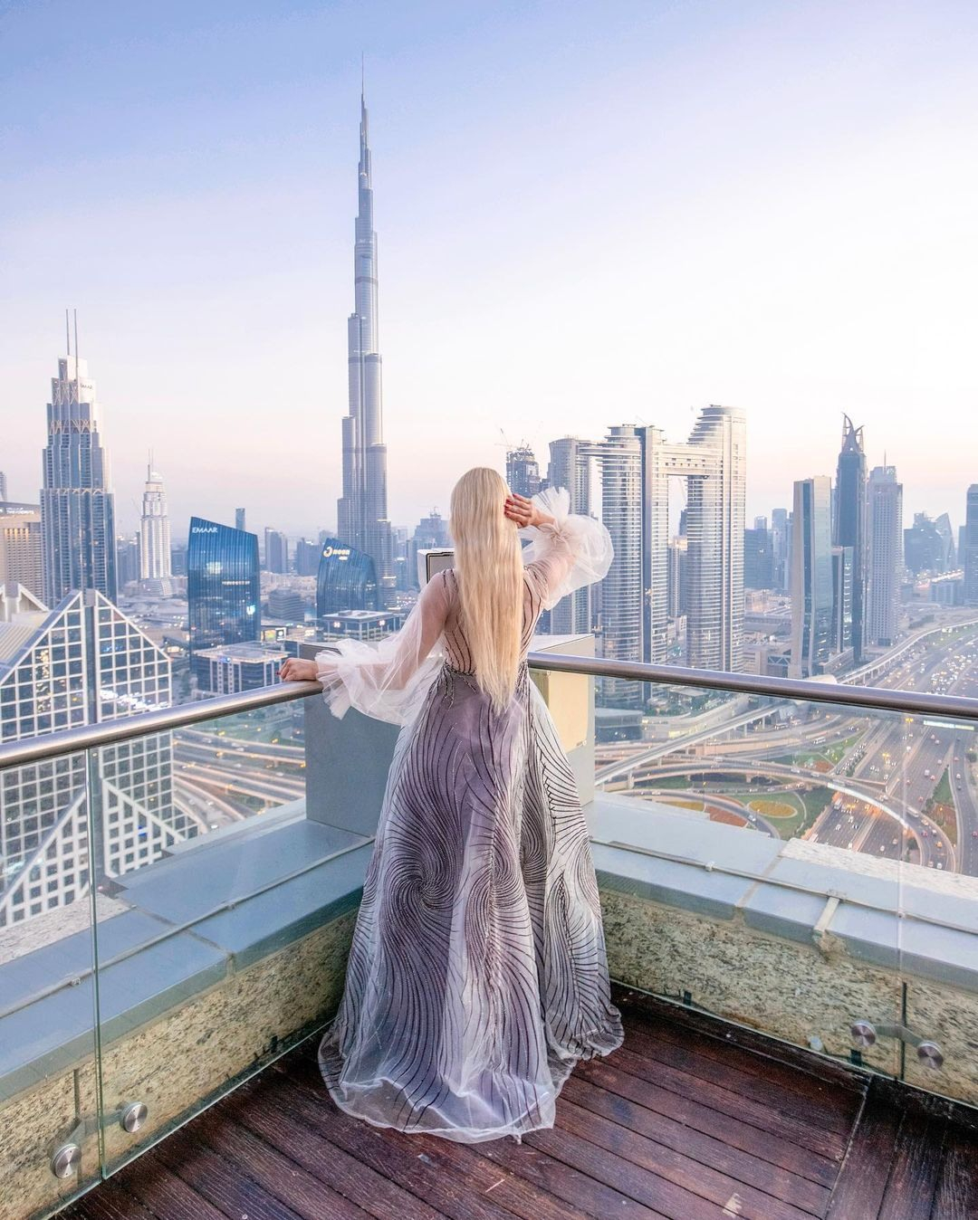 Отель в Дубае со смотровой площадкой для инстаграм фото