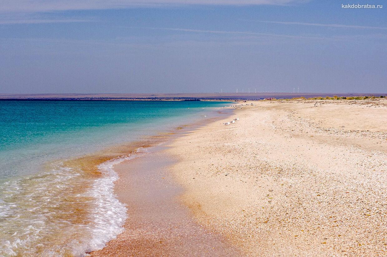 Дикий чистый пляж в Крыму
