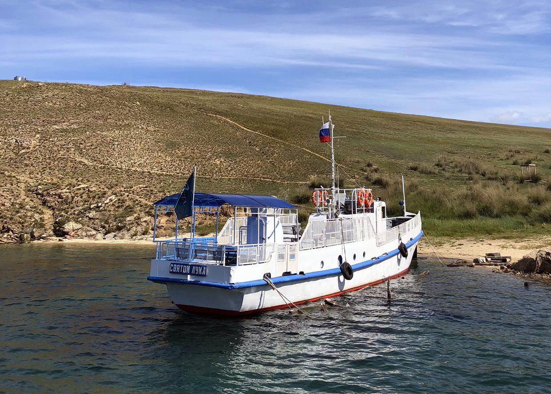 Корабль добраться по воде из Иркутска и Листвянки до Ольхона