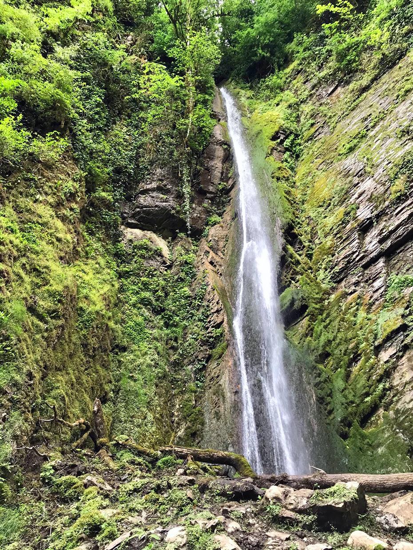 Водопад Хрустальный в Сочи