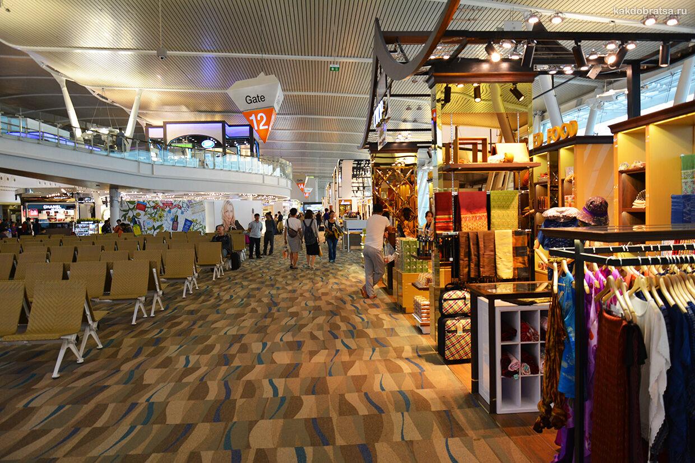 Пхукет аэропорт терминал, услуги, где поесть