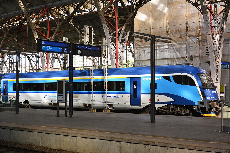 На поезде из Праги в Пардубице стоимость проезда и время в пути